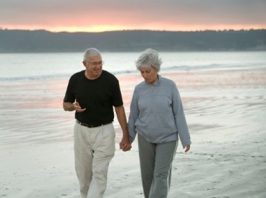 seniorcouplewalking